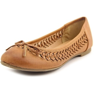 Report Maisie Women Round Toe Synthetic Flats