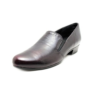 Munro American Hailey Women Round Toe Leather Loafer