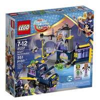 LEGO(R) DC Super Hero Girls(TM) Batgirl(TM) Secret Bunker (41237)