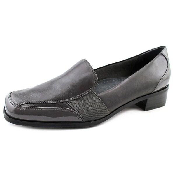 Trotters Arianna Women Dk Grey Flats