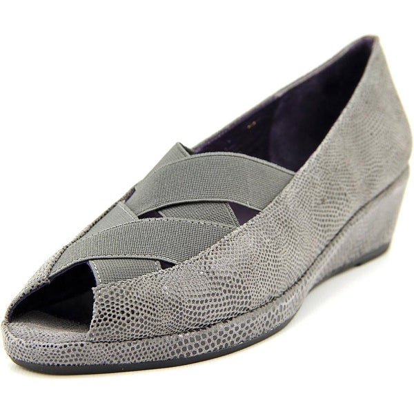 Vaneli Nelwina Women N/S Peep-Toe Leather Flats