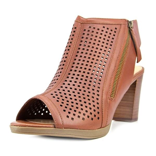 Bella Vita Lenore Dark Tan Sandals