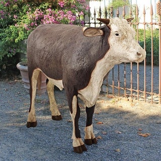 Design Toscano The Grand-Scale Wildlife Animal Collection: Hereford Steer Statue