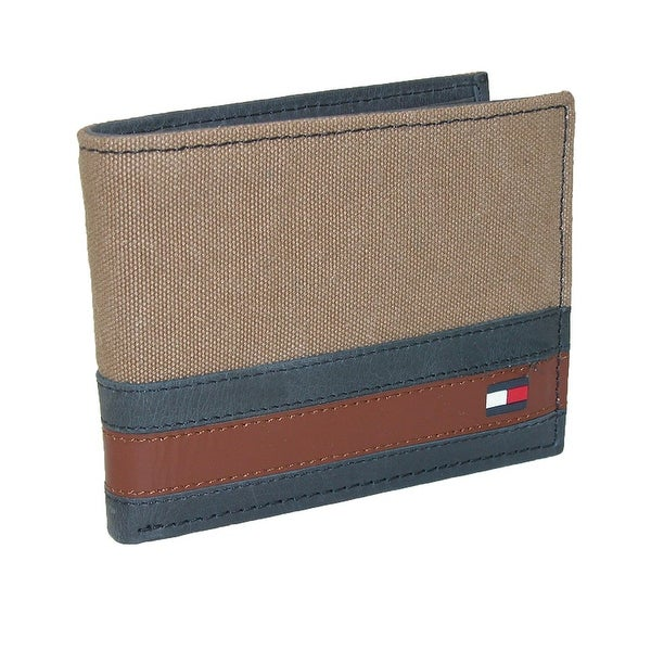 Tommy Hilfiger Men's Leather Exeter Passcase Billfold Wallet - one size