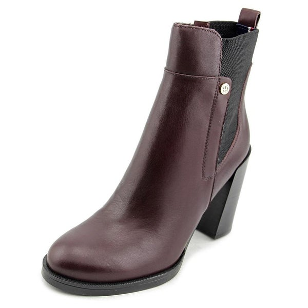 98e99f76e Shop Tommy Hilfiger Britton Round Toe Leather Ankle Boot - Free ...