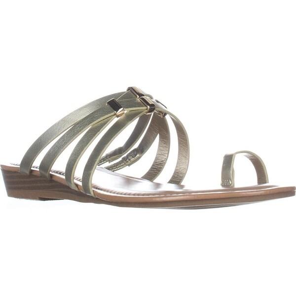 B35 Vanita Flat Ring-Toe Sandals, Platino