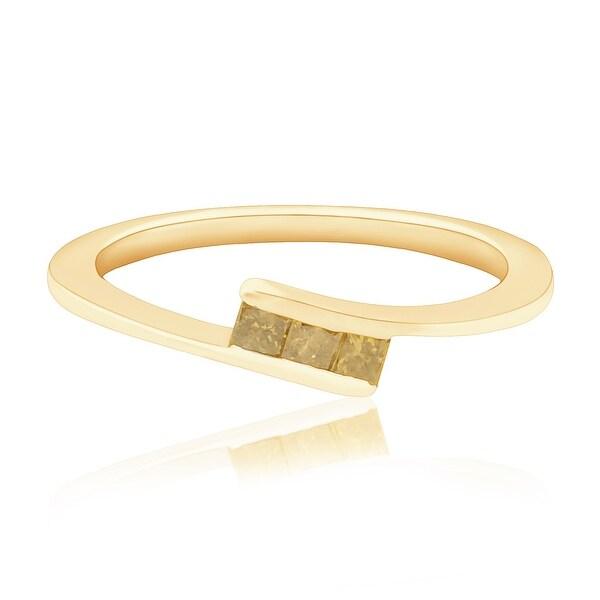 Fabulous 0.18 Carat Princess Cut 3 Cognac Diamond Diamond Trilogy Ring