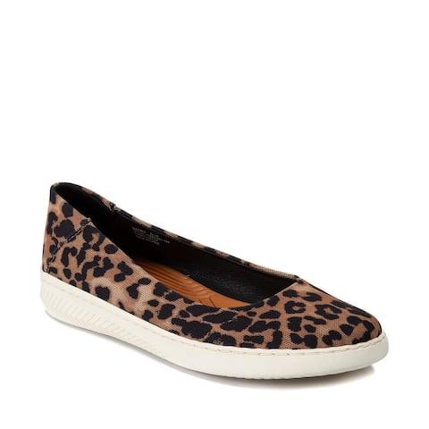 Baretraps NADRA Women's FLATS Auburn Leopard