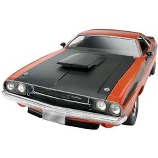 '70 Dodge Challenger T/A 2 In 1 1:24 - Plastic Model Kit