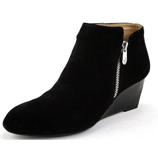 Adrienne Vittadini Footwear Women's Meriel Boot