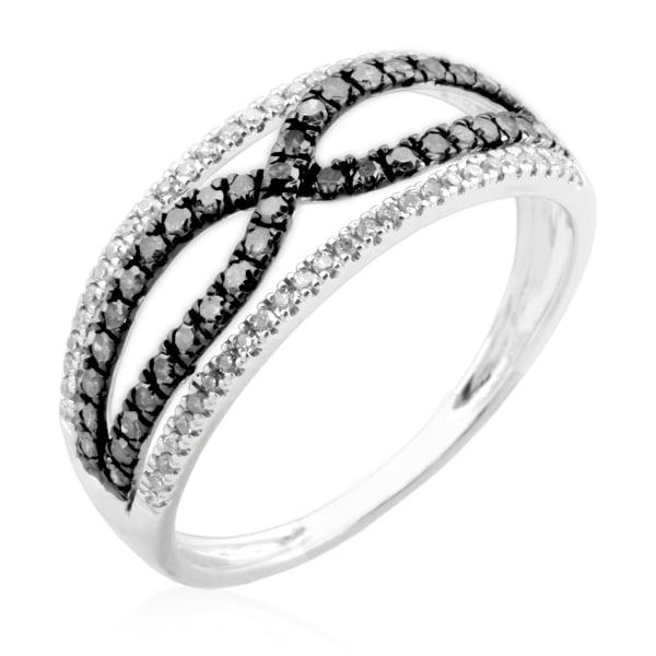 Beautiful Round Brilliant Cut Genuine Black Diamond and Diamond Fancy Ring
