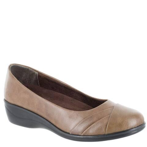 Easy Street Womens Nancy Leather Cap Toe Loafers