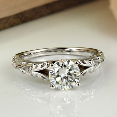 Auriya 14k Gold 1 carat TW Vintage Moissanite Engagement Ring with Diamond Accents