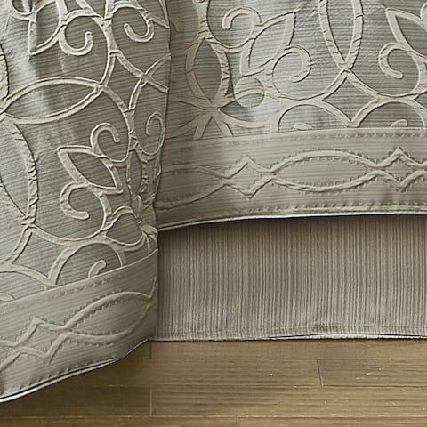 Five Queens Court Nouveau 4 Piece Comforter Set