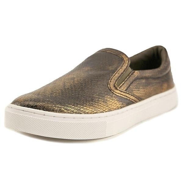 Guess Women's Farilyn2 Fashion Sneaker - 8.5