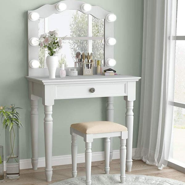 White Vanity Set With Lighted Mirror