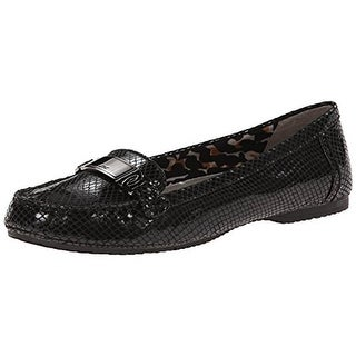 Anne Klein Womens Best of Me Embossed Patent Loafers - 5 medium (b,m)