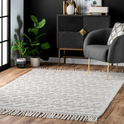 nuLOOM Contemporary Handmade Flatweave Dot Aztec Indian Trellis Tassel Area Rug