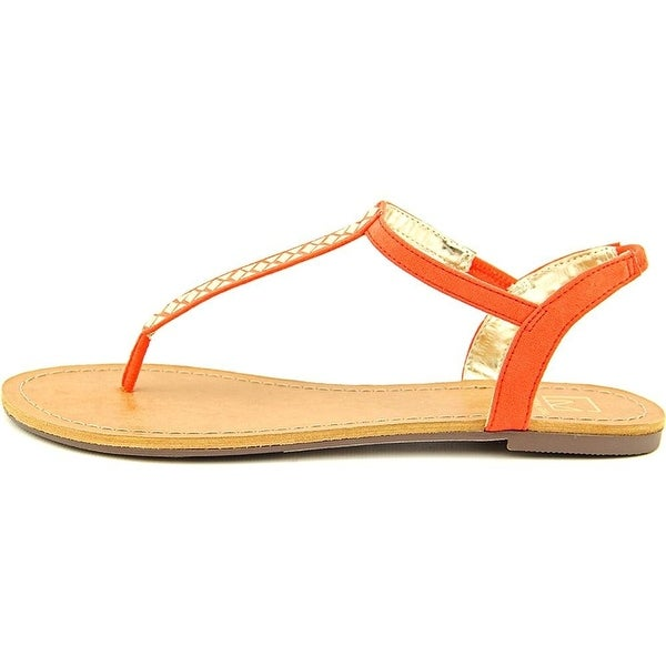 Material Girl Womens SAGE Split Toe Casual T-Strap Sandals