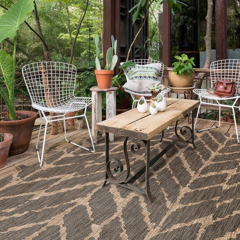 The Curated Nomad Claremont Indoor/ Outdoor Abstract Chevron Rug
