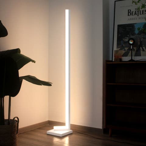 Tetrad Cubic Corner Lamp RGB - 60.2x9in
