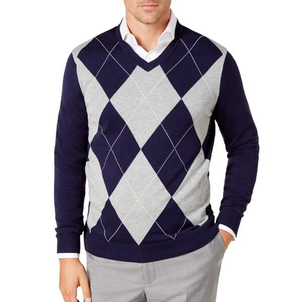 feba819e3dbf Shop Club Room Blue Mens Size Medium M V-Neck Diamond Argyle Sweater - On  Sale - Free Shipping On Orders Over $45 - Overstock - 28224129