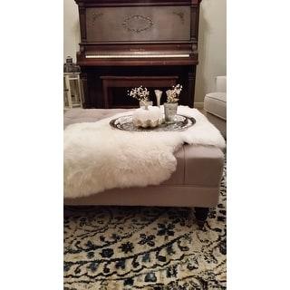 Safavieh Prairie Natural Pelt Sheepskin Wool White Shag Rug - 2' x 3'