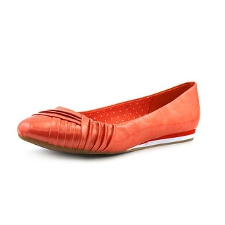 Soft Style by Hush Puppies Corrie W Round Toe Synthetic Flats