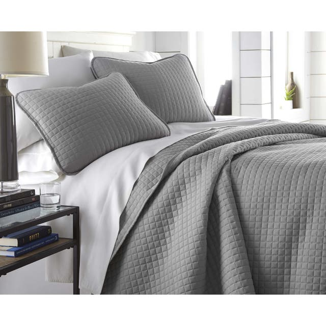 Oversized Solid 3-piece Quilt Set by Southshore Fine Linens - Steel Grey - King - Cal King