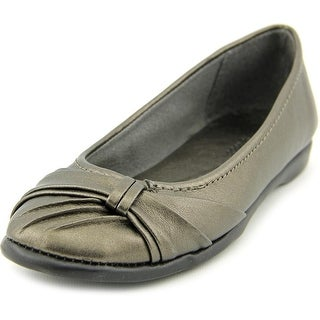 Easy Street Giddy W Round Toe Synthetic Flats