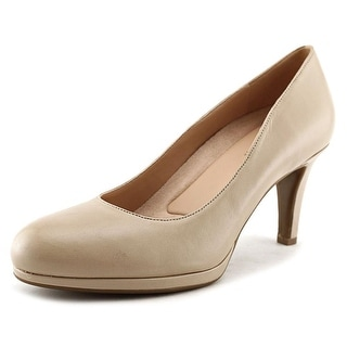Naturalizer Michelle Round Toe Leather Heels