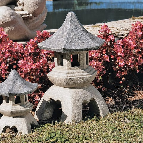 Large Pagoda Lantern Statue Nr