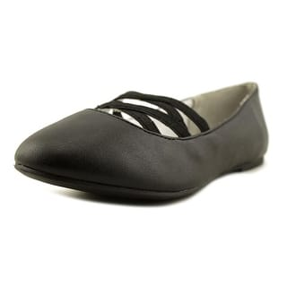 Nine West Ginger Round Toe Synthetic Ballet Flats|https://ak1.ostkcdn.com/images/products/is/images/direct/63d5e54caf814d9821f2ae45137ad26201232e6c/Nine-West-Ginger-Youth-Round-Toe-Synthetic-Black-Ballet-Flats.jpg?impolicy=medium