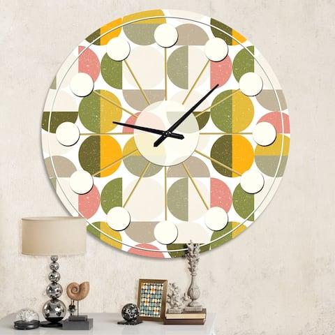 Designart 'Vintage Circular Design I' Mid-Century wall clock