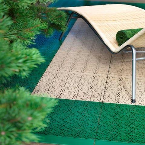 Bergo XL Interlocking Center Multi-Color Floor Tiles, 28 Pack - N/A