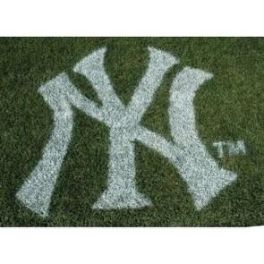 MLB New York Yankees Lawn Logo Paint Stencil - White