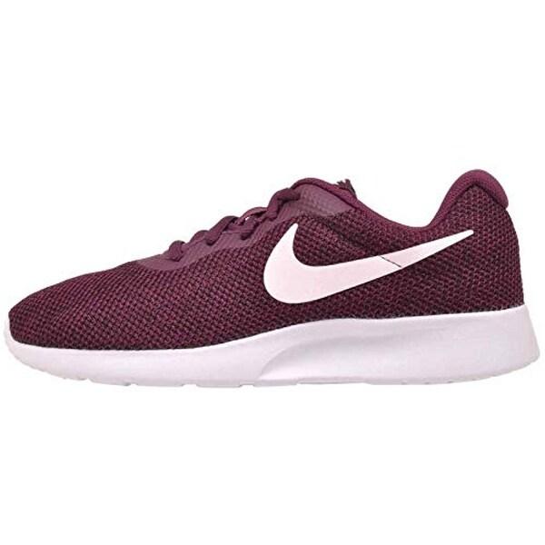 Shop Nike Women's WMNS Tanjun SE