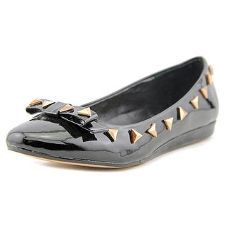 Carvela Mia   Round Toe Patent Leather  Flats