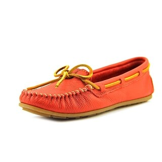 Minnetonka Boat Moc Women  Round Toe Leather  Loafer