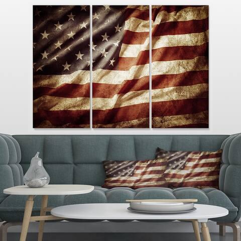 Designart 'American Flag' Contemporary Canvas Art Print - 36x28 - 3 Panels