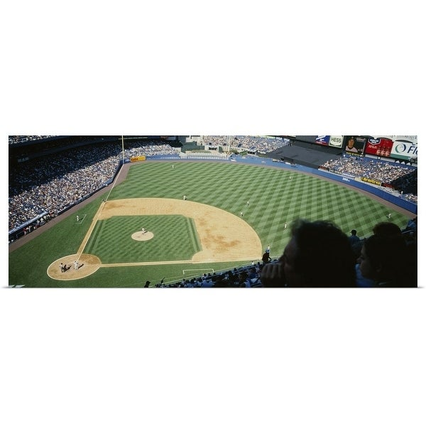Madison Square Garden: Shop Spectators Watching A Baseball Match In A Stadium