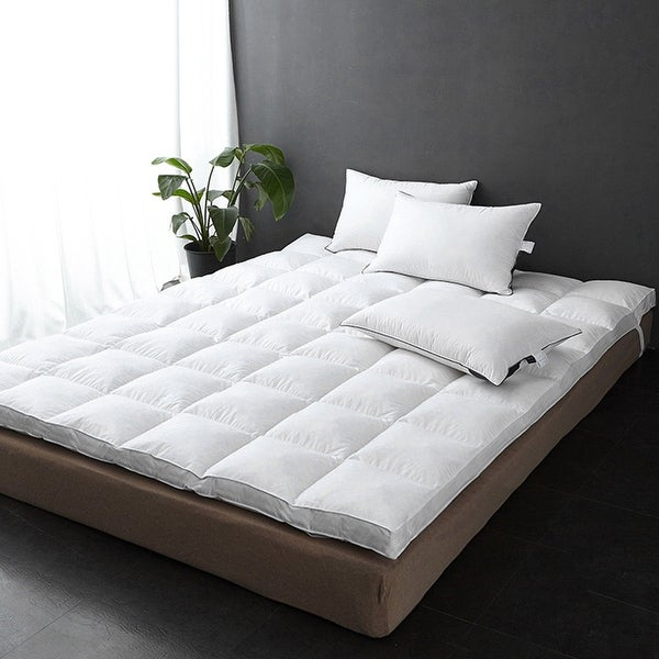 Shop Gymax 4'' Queen Size Mattress Topper Hypoallergenic ...