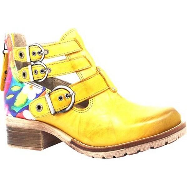 Dromedaris Women's Kelsy Flower Buckle Boot Yellow Soft Waxy Leather/Suede