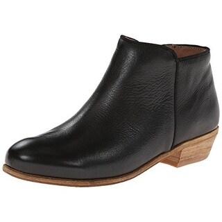 SoftWalk Womens Rocklin Chukka Boots