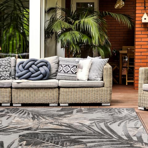 Floral Leaves Indoor/Outdoor Area Rug