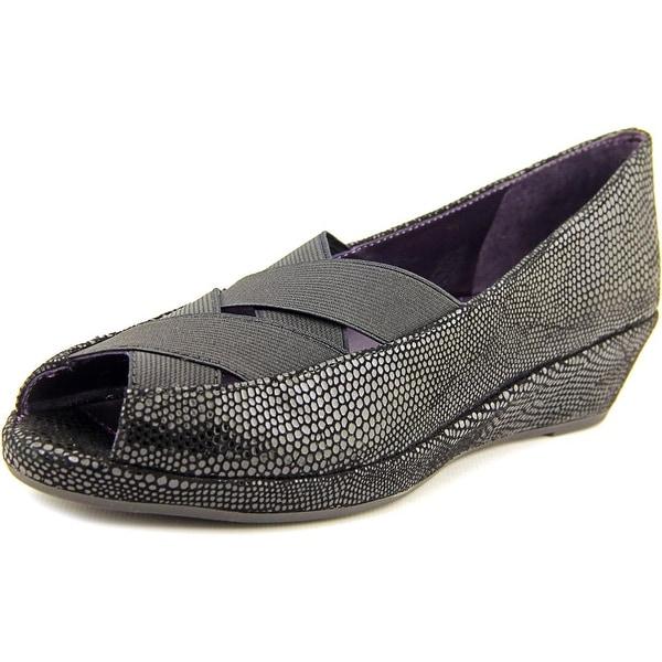 Vaneli Nelwina Women N/S Peep-Toe Suede Flats