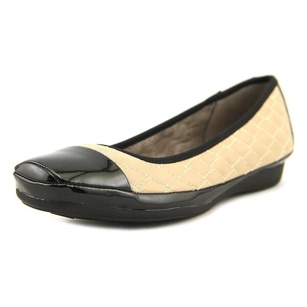 a4ce961807002 Shop Naturalizer Velma Women Taupe/Black Flats - Free Shipping On ...
