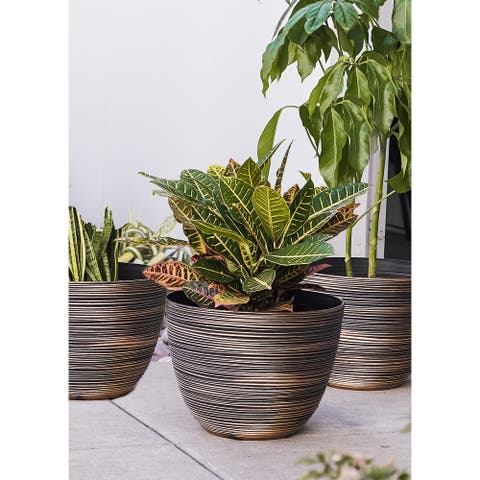Deyjey Nested Round Textured Pot Planters (Set of 3) by Havenside Home