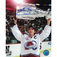 Joe Sakic Autographed Colorado Avalanche 8x10 Photo Lifting Cup