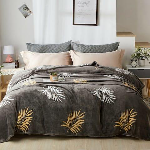 Fleece Plush Blanket King Size Gold Leaves